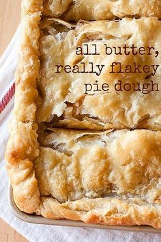 All Butter, Really Flakey Pie crust- There's no comparison: butter beats shortening for pie dough. This all butter really flakey pie dough is THE BEST pie dough recipe out there and you won't believe how easy it is to make! Köstliche Desserts, Dessert Recipes, Plated Desserts, Apple Desserts, Recipes Dinner, Breakfast Recipes, Pie Crust Recipes, Pie Crusts, Flakey Pie Crust