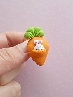 Easter Jewelry – Easter Brooch – Bunny Brooch – Easter Gifts for Kids -Easter Bunny Brooch – Rabbit Brooch – Easter Basket – brooch Fimo Polymer Clay, Crea Fimo, Polymer Clay Animals, Polymer Clay Miniatures, Polymer Clay Projects, Polymer Clay Creations, Clay Crafts, Polymer Clay Tutorials, Fimo Kawaii