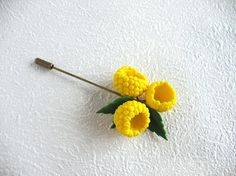 Brooch needle Yellow raspberry Pin Jewelry with berries