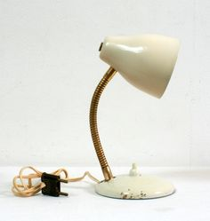 Lampe couleur crème, 1950, white vintage desk lamp