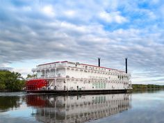 Win an 8-night cruise & stay with the American Queen Steamboat Company Cruise Travel, Cruise Vacation, Solo Travel, Time Travel, Travel Usa, American Cruise Lines, American Cruises, Best River Cruises, Mississippi River Cruise