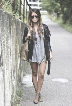 Grunge, but she needs some pants...