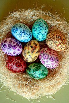 watercolor easter eggs using watercolor pencils. {via alisa burke}