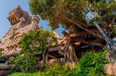 Tower of Terror Queue Tokyo Disneyland Resort, Disneyland Hotel, Disney Hotels, Hong Kong Disneyland, Disney Tourist Blog, Disney Vacation Club, Disney Parks, Walt Disney Imagineering, Tower Of Terror