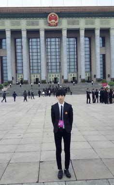 王俊凯:)