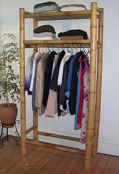 Bamboo Furniture – An Environmentally Friendly and Inexpensive Option Bamboo Shelf, Bamboo Art, Bamboo Crafts, Bamboo Ideas, Bamboo Furniture, Diy Furniture, Furniture Design, Modern Furniture, Furniture Cleaning