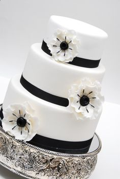 I think if *I* were having a wedding .. I'd be doing black and white ... the pics w/it tend to draw my attention