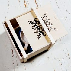 Christmas wooden gift box,with laser engraved star