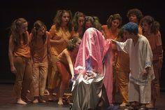 Entrega de premios del V Certamen de Teatro de Secundaria y representación de la obra ganadora: www.auladelasartes.es/programa.php?evento=2781