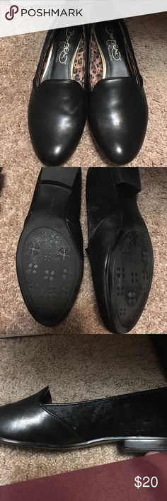 Black leather loafers with fur sides Black leather loafers with side fur see picture #3 Naturalizer Shoes Flats & Loafers
