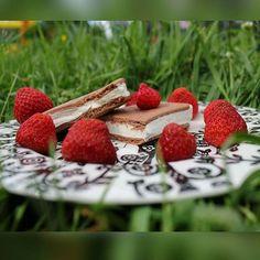 #leivojakoristele #jäätelöannoshaaste Kiitos @ katjaru Strawberry, Fruit, Food, The Fruit, Strawberry Fruit, Meals, Strawberries, Yemek, Eten