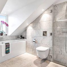 Drömbadrum Se mer från Oxenstiernsgatan på länken i vår profil  #badkar #badrum #badrumsinspiration #bathroom #sothebysrealty