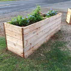 Get familiar with the pallet wood repurposed planters or raised gardens here…