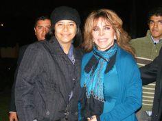 Patricia Alvarado con Verónica Castro en el evento Viva México en Lima, Perú. Esta foto fue tomada el 20 de julio del 2012.