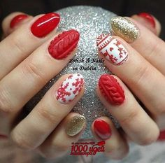 The important thing is you can find the perfect Christmas nail art design that you are looking for and that you can recreate it on your own nails just in time for the Christmas celebration. Cute Christmas Nails, Xmas Nails, Christmas Nail Art Designs, Holiday Nails, Red Nails, Simple Christmas, Beautiful Nail Designs, Beautiful Nail Art, Nail Art Noel