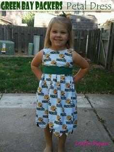 Crafty Biggers: Green Bay Packers Petal Dress