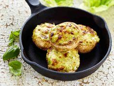 Pestoherkkusienet ovat herkullinen lisäke lihalle ja kalalle. http://www.yhteishyva.fi/ruoka-ja-reseptit/reseptit/pestoherkkusienet/014491