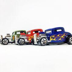#triodehotwheels #ford #custom #32ford #hotwheels #diecastcar #diecast #flames #hotwheelscollector #redandgreen #hotwheelsdaily #hotwheelspics #hotwheelsrepost #hotwheelsspain #diecastcars #diecastpics #miniaturas #cochecito #cartoys #hwc #ajrhw #wheels #diecastphoto #diecastphotography  #twitter #1_64 #164 #green #red #blue