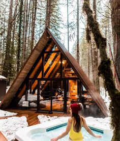 Magnificent Ideas to create your perfect log cabin in the woods or next to a lake. A necessity to escape from our fast pace life. Tyni House, Tiny House Cabin, Log Cabin Homes, Tiny House Design, A Frame House Plans, A Frame Cabin, Cabins In The Woods, House In The Woods, Ideas Cabaña