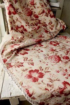 édredon ancien  http://soulstratum.tumblr.com/post/101364225038