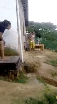 Scaring the mother – Gif Funny