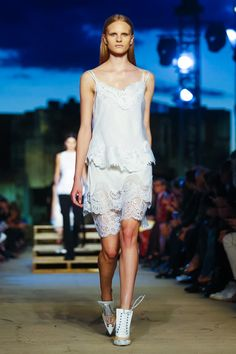 Look 2 - Givenchy Ready To Wear Spring Summer 2016 New York - NOWFASHION