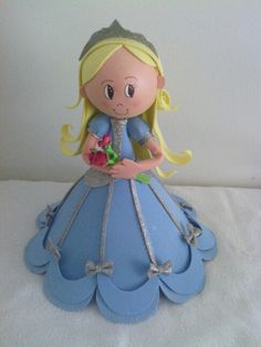 Princess made from wood bead and fun foam. Foam Sheet Crafts, Foam Crafts, Diy And Crafts, Arts And Crafts, Clay Dolls, Art Dolls, Clothespin Dolls, Lalaloopsy, Doll Tutorial