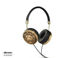 The Supertrash and FRENDS design teams have created the 'lions head' design that embodies Supertrash's sexy cosmopolitan style and luxe feel. This statement piece comes in an 18-carat gold plated finish ear cap.   STAIN RESISTANT GENUINE LEATHER & HAND CRAFTED METAL  THREE BUTTON MIC WITH VOLUME, MUSIC + PHONE CONTROL  18 ct Gold Plated Ear Caps  Memory Foam Ear Cushions - Relieves Pressure  40 MM drivers - Deliver Premium Sound  SUPERTRASH X FRENDS LEATHER HANDBAG CARRY CASE   ----- About…