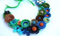 felt flowers necklace