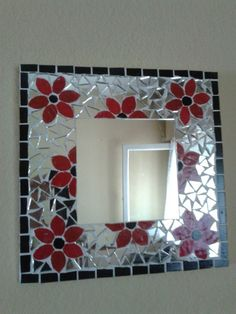 Mirror Mosaic, Mosaic Wall, Mosaic Glass, Mirror Glass, Mosaic Crafts, Mosaic Projects, Stained Glass Panels, Stained Glass Art, Mosaic Designs