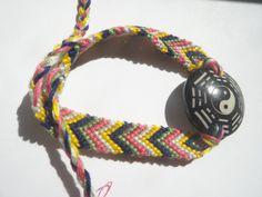#YinYang #Freundschaftsarmband #geknüpft #DaWanda Yin Yang, Etsy, Braided Bracelets, Braid, Weaving, Wristlets
