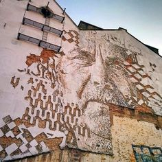 #Lisbon Street Art best in the World. With great art works on the old buildings even a walk round the city is like a trip to an art gallery. Enjoy your visit to my adopted home town. Book a trip with me now http://www.your-lisbon-guide.com & see the sights.