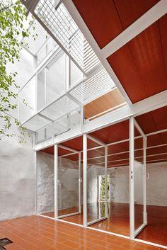 Patio planta baja. Casa Luz. Vivienda Unifamiliar. Por ARQUITECTURA-G. Fotografía © José Hevia.