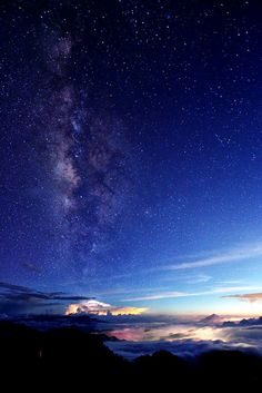 Milky way in Autumn by Thunderbolt.