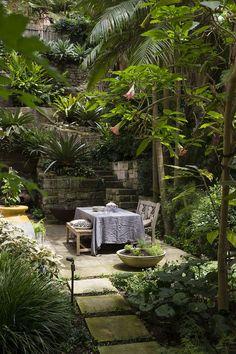 Tropical Garden Design, Tropical Backyard, Tropical Landscaping, Backyard Landscaping, Landscaping Ideas, Tropical Gardens, Landscaping Software, Circular Patio, Terrasse Design