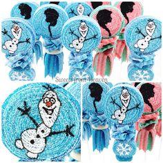 Frozen inspired CandyBob set // hard to Let it Go // making its way to Colorado tomorrow .. #candykabobs #candykabob #candybobs #candybob #candy #frozen #frozenparty #olaf #elsa #anna #snowman #princessparty #disney #disneyland #instayum #instasweet #beautiful #cute #foodart #foodporn #candyart #followme #potd #igers #sweetsfromheaven #outletsatorange #sweetsfrmheavenorange ❄️⛄️ Sweets From Heaven, Candy Kabobs, Disney Frozen Party, Candy Art, Bob S, Elsa Anna, Princess Party, Olaf, Food Art