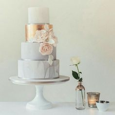 Wedding cake with gold accent