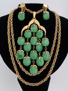 VINTAGE TRIFARI JADE GREEN LUCITE WATERFALL NECKLACE AND CLIP-ON EARRINGS