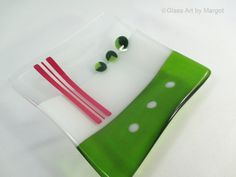 Hey, I found this really awesome Etsy listing at https://www.etsy.com/listing/204375630/square-fused-glass-holiday-cheer-plate