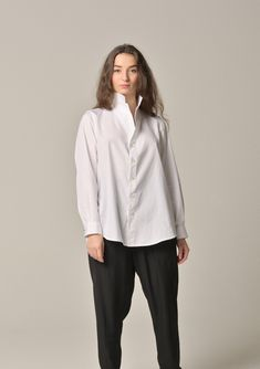 Lois Girre wears the LY Liwan shirt Showcase Design, Normcore, Paris, How To Wear, Shirts, Style, Fashion, Beirut, Swag