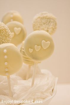 Posts about oreo pops written by enjoybespokeevents Cookie Wedding Favors, Wedding Sweets, Wedding Cupcakes, Chocolate Covered Oreos, Chocolate Molds, How To Make Chocolate, Oreos On A Stick, Cookie Pops, Oreo Pops
