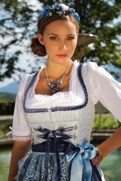 Babe in Dirndl White Women, Sexy Women, Drindl Dress, Beer Girl, German Women, Lolita, Folk Costume, Costumes, Traditional Dresses