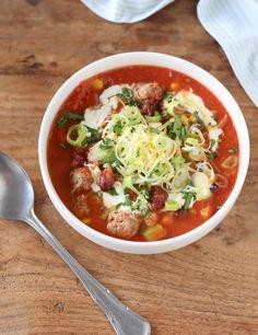 Tex Mex soep met ballen - Francesca Kookt Soup Recipes, Great Recipes, Dinner Recipes, Favorite Recipes, Healthy Recipes, Healthy Food, Tex Mex, Cupcakes, Soup And Salad