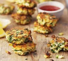 Herb & spice paneer fritters _ These Indian cheese fritters make a tasty starter, or serve as a main with rice and fresh veg Bbc Good Food Recipes, Indian Food Recipes, Vegetarian Recipes, Cooking Recipes, Yummy Food, Vegetarian Canapes, Delicious Recipes, Keto Recipes, Tofu
