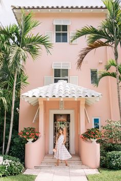 Gal Meets Glam Pink in Palm Beach Caroline Constas Dress, Urban Outfitters Sunglasses, Mark Cross Bag, Carrie Forbes Sandals Foyers, Palm Beach Decor, The Colony Hotel, Road Trip, Beach Cottage Style, Pink Beach, Exterior Paint Colors, Gal Meets Glam, Pink Houses