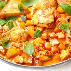 Kurczak w sosie z gorgonzoli / Chicken in Gorgonzola Sauce Gorgonzola Sauce, Cooking Recipes, Healthy Recipes, Healthy Food, Fast Dinners, Thai Red Curry, Food And Drink, Pumpkin, Diet