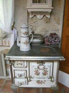 amazing shabby chic stove...want!