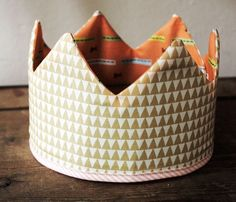 Tutorial: make a fabric play crown for dress-ups