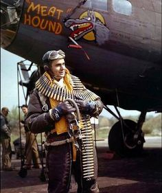 """""""Waist gunner Staff Sergeant Frank Lusic poses in front of the """"Meat Hound"""" of the Bomb Group, Bomb Squadron based in Thurleigh, England (May via Getty Images * Lost on January on a mission to. Nose Art, Ww2 Aircraft, Military Aircraft, Stealth Aircraft, Military Art, Military History, Skyteam Ace, Photo Avion, Aircraft Painting"""