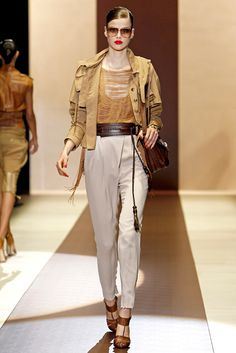 Gucci Spring 2011 Ready-to-Wear Fashion Show - Julia Saner